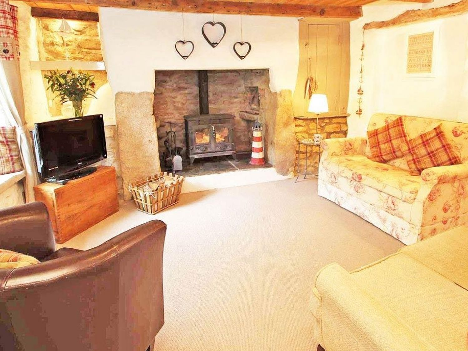 Humble Cottage in Holywell Bay - sleeps 4 people