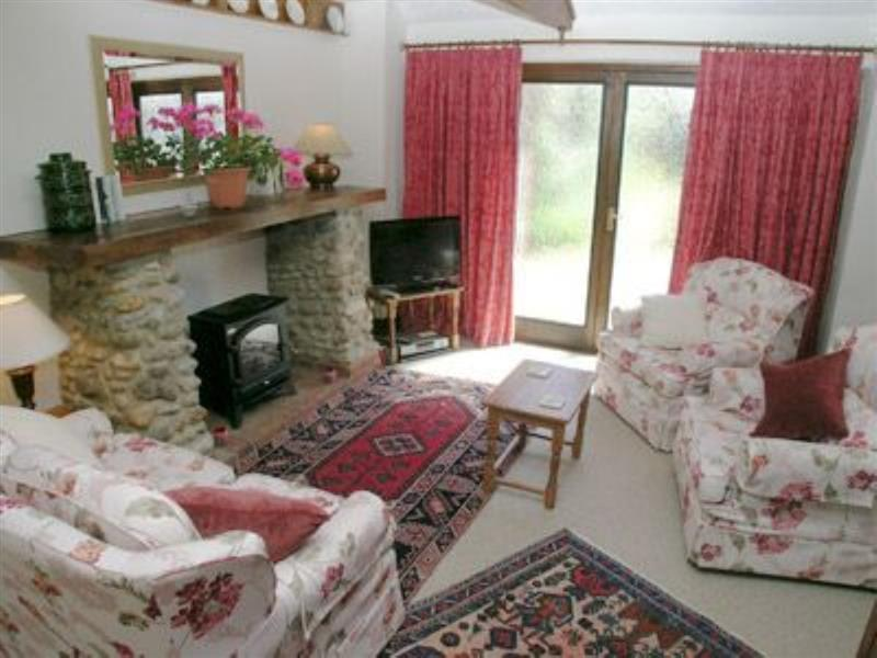 Hunt Cottage in Sharrington, nr. Holt - sleeps 4 people
