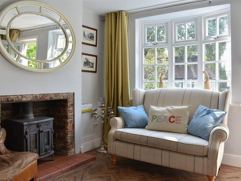 Hurst Cottage in Hurstpierpoint, near Hassocks - sleeps 6 people