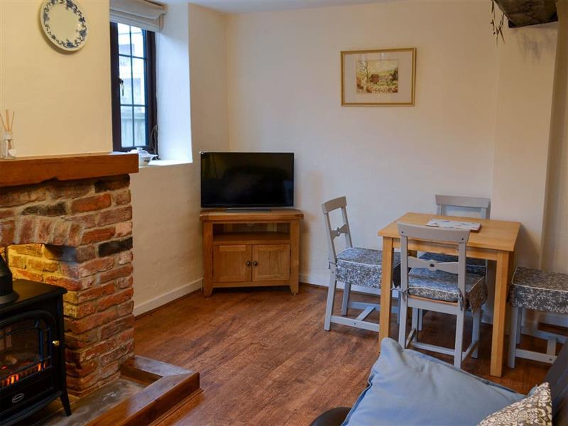 Ikkle Cottage in Old Blidworth, near Mansfield - sleeps 4 people