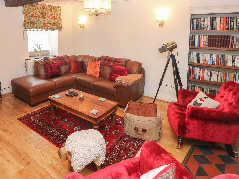 Inglenook Cottage in Haverfordwest - sleeps 6 people