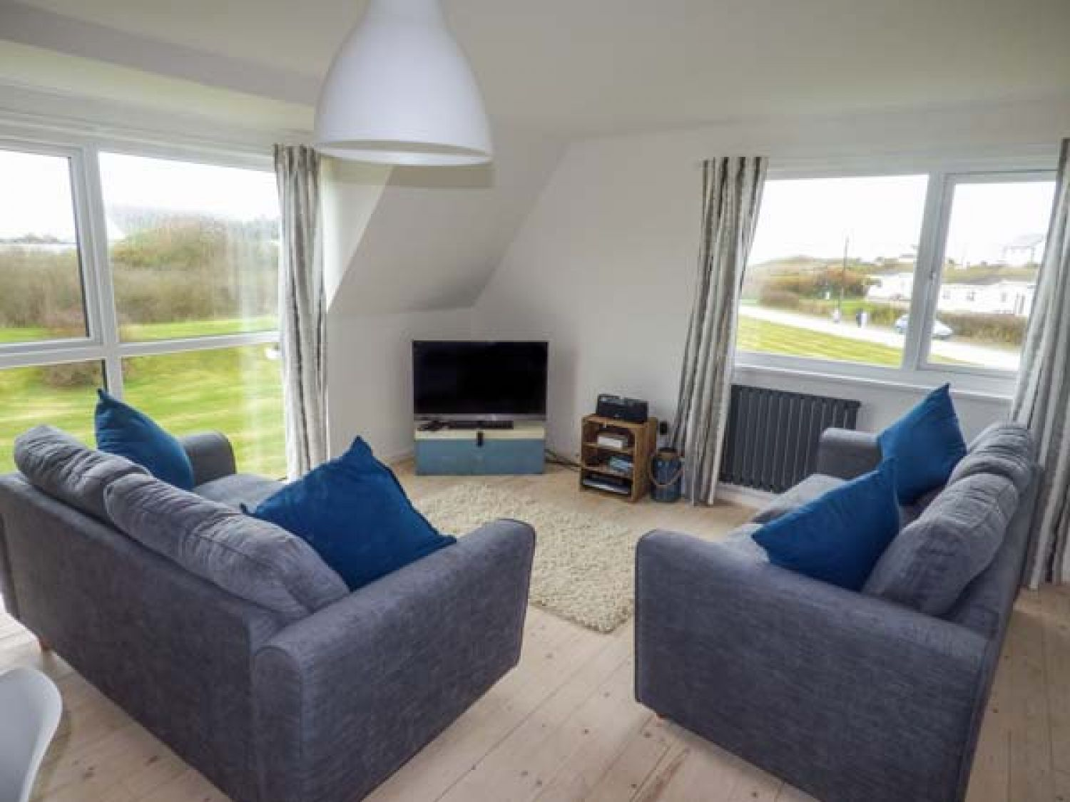 Isallt Lodge in Trearddur Bay - sleeps 7 people