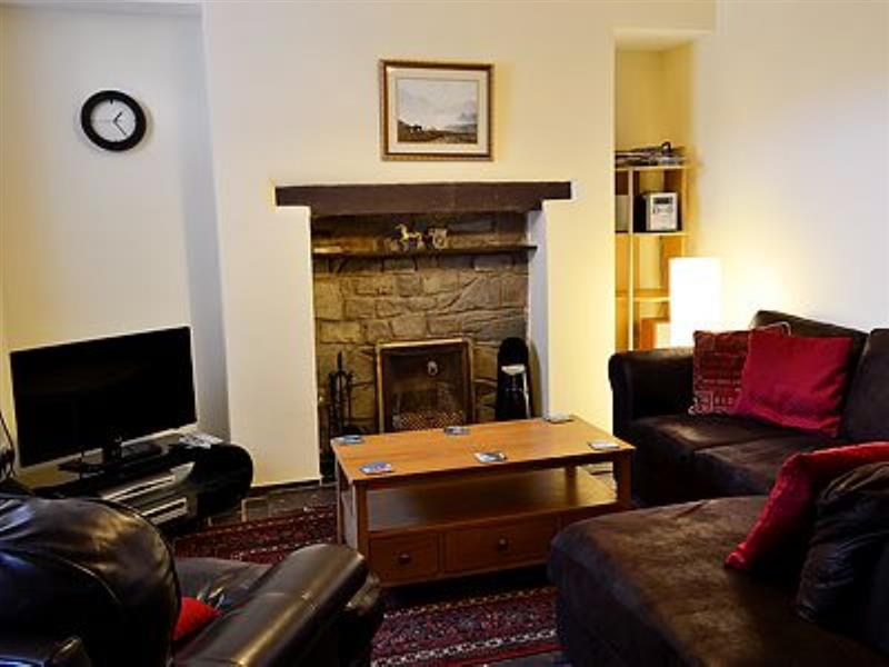 Isallt in Nantlle, nr. Beddgelert - sleeps 4 people