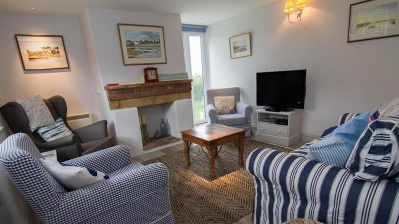Island House in Brancaster Staithe near Kings Lynn - sleeps 6 people