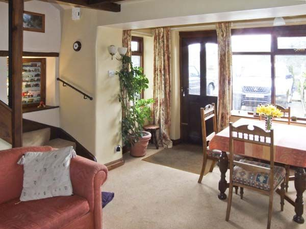 Ivy Cottage in Tideswell - sleeps 3 people