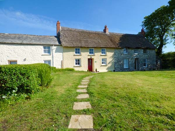 Jessica Cottage in Cusgarne near Carnon Downs - sleeps 5 people