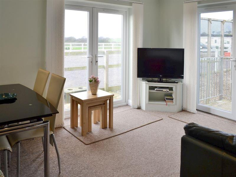 Jurassic Apartments - Jurassic Apartments Bungalow in Wyke Regis, near Weymouth - sleeps 4 people