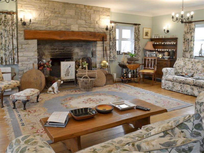 Jurassic Apartments - Martleaves House in Wyke Regis, near Weymouth - sleeps 12 people
