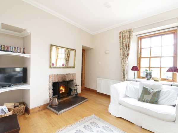 Kevington Cottage in Dunoon - sleeps 2 people