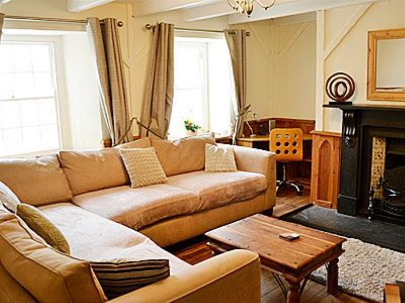 Kimberley House in St Columb Minor, Newquay - sleeps 7 people