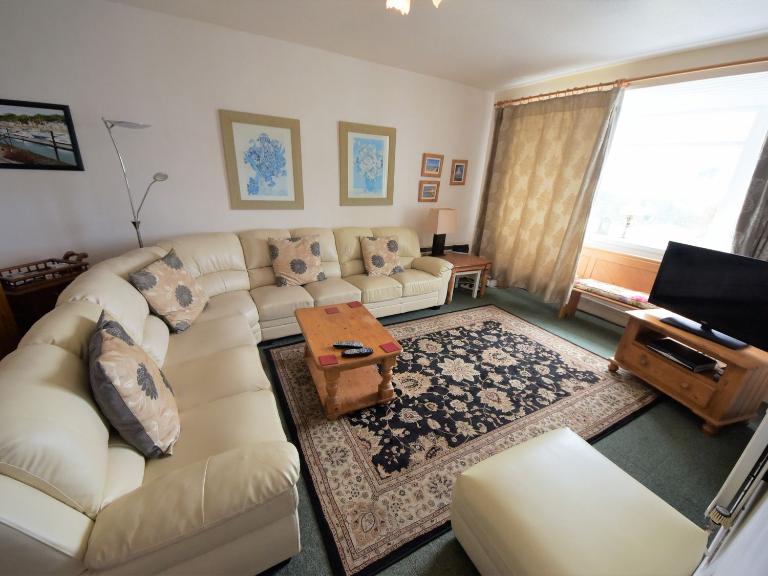 King Arthur Suite in Trearddur - sleeps 6 people