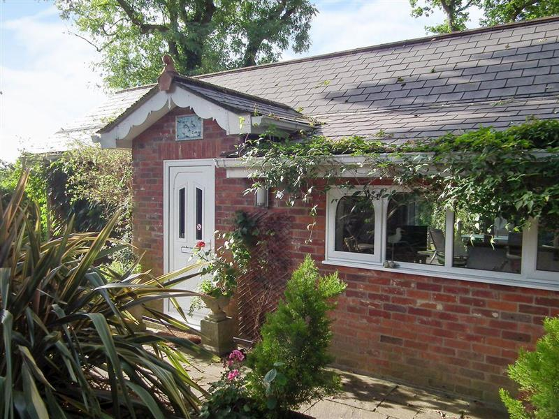 Kipper Cottage in Wootton Bridge - sleeps 4 people