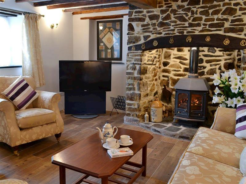 Knotty Corner Cottage in Fairy Cross, near Bideford - sleeps 5 people