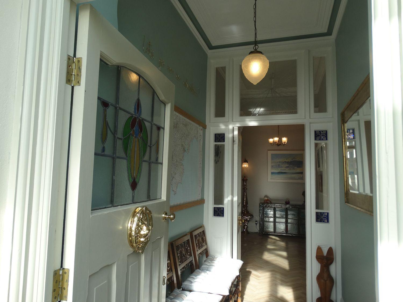 Kynance Bay House in Lizard - sleeps 8 people