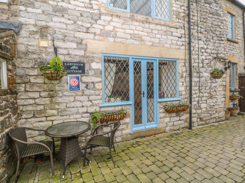 Laburnum Cottage in Castleton - sleeps 4 people