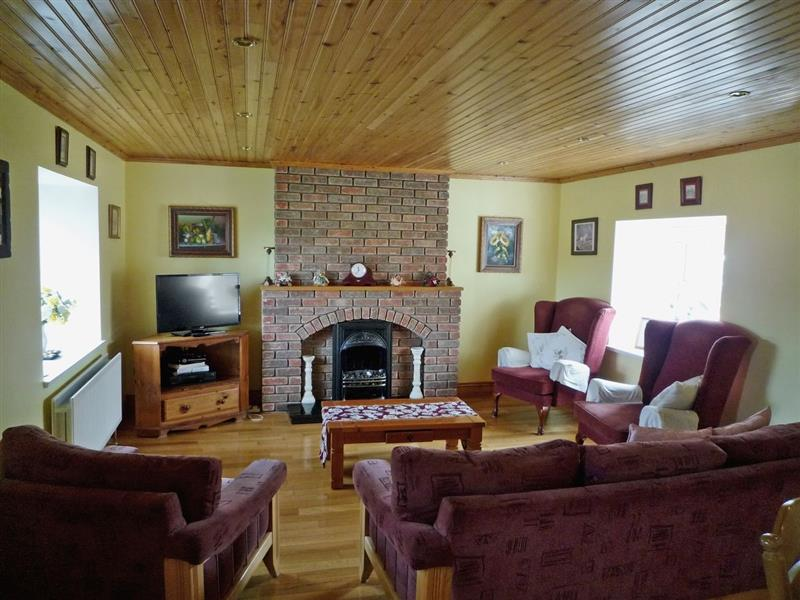Lake Cottage in Ballyjamesduff, Co. Cavan - sleeps 5 people