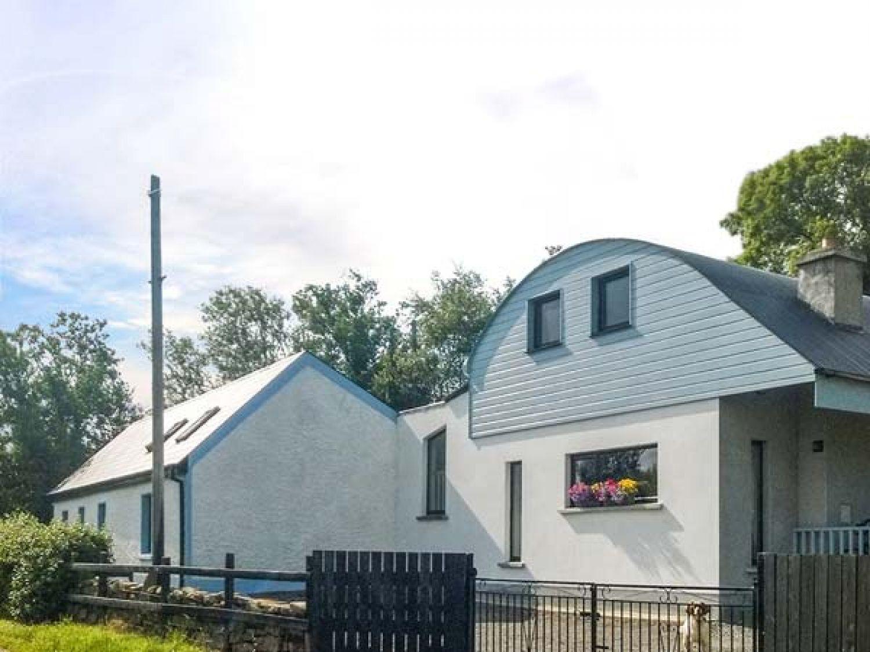 Lakeshore Cottage in Kinlough - sleeps 7 people