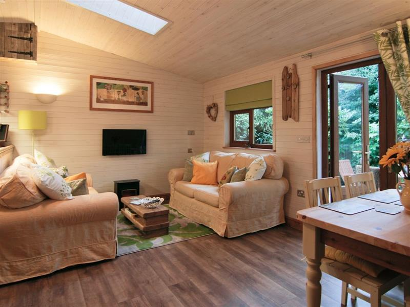 Lakeside Lodge in Newquay - sleeps 4 people