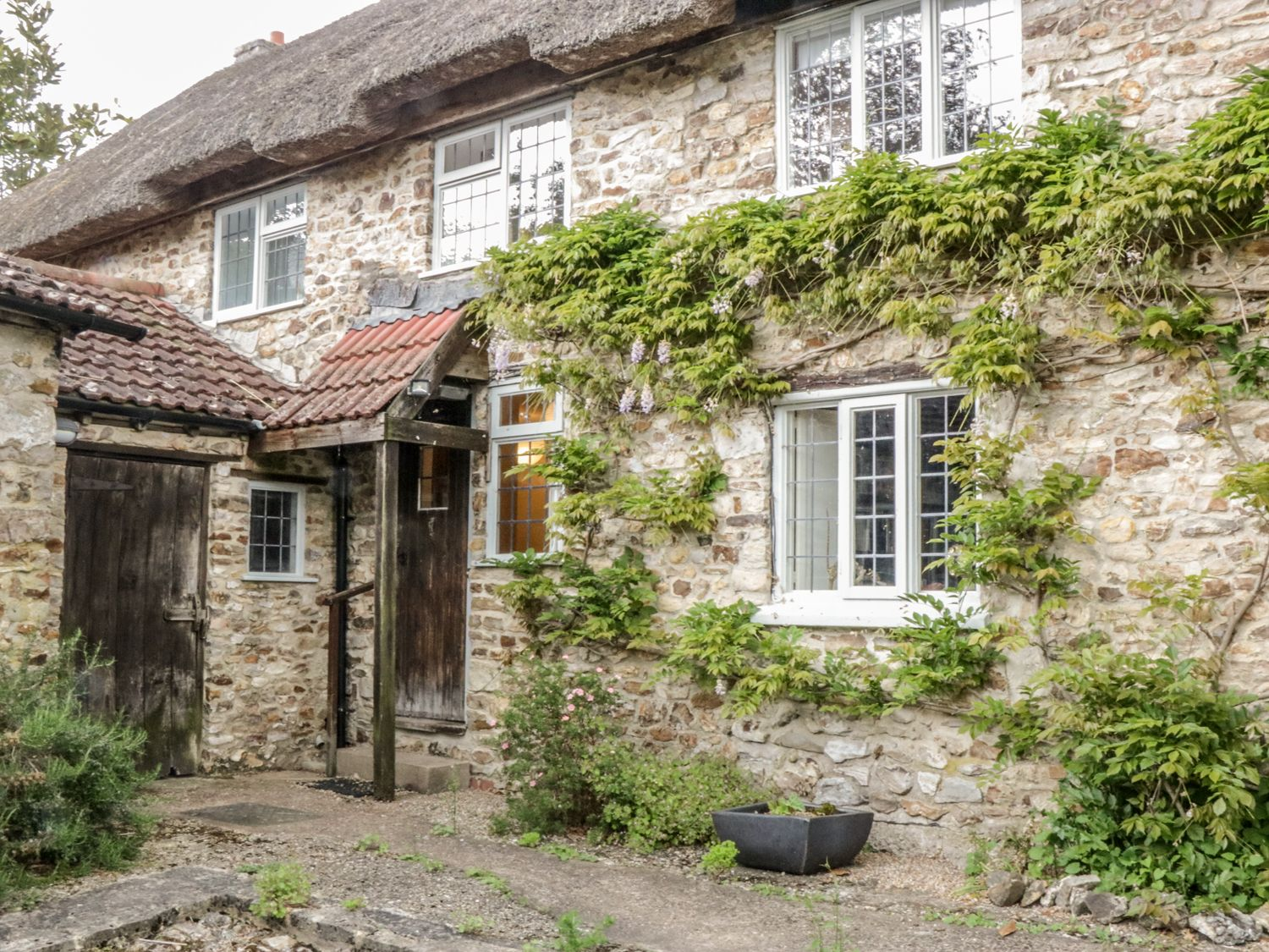 Lambrook Cottage in Farway near Honiton - sleeps 4 people