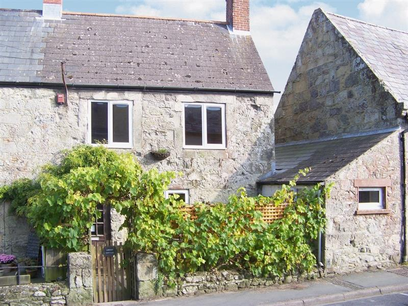 Lamont Cottage in Niton, nr. Ventnor - sleeps 6 people