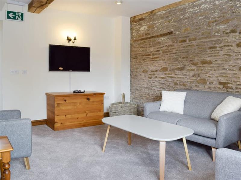 Larch Bed Cottage - Malvern View Country and Leisure Park in Stanford Bishop, near Bromyard - sleeps 3 people