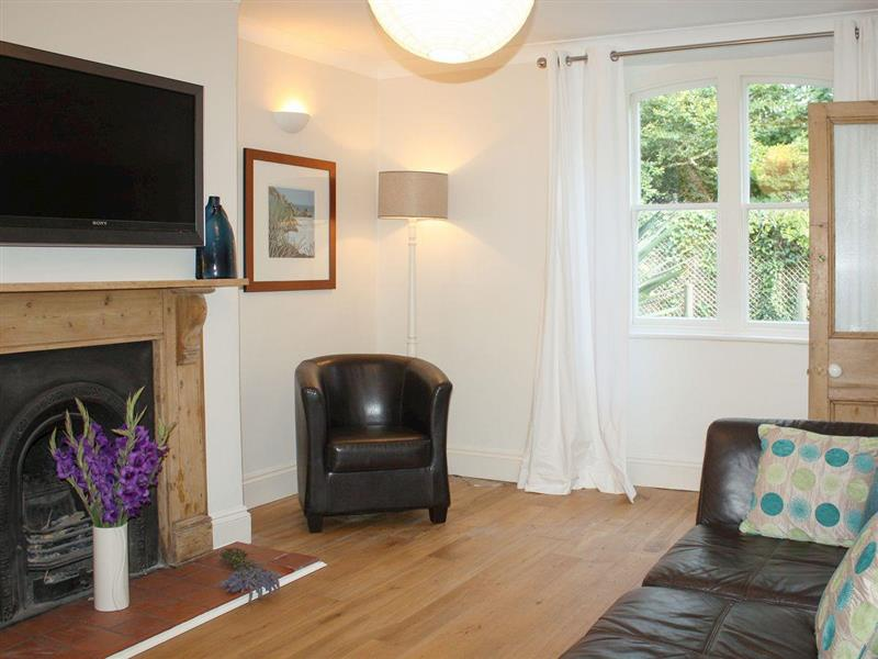 Lavender Cottage in Tehidy, near Portreath, Cornwall - sleeps 4 people