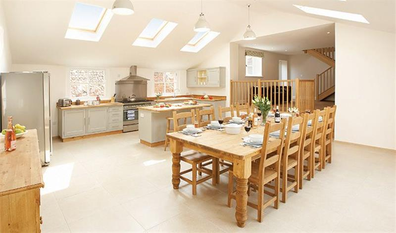 Laylands in Wells-next-the-Sea - sleeps 10 people