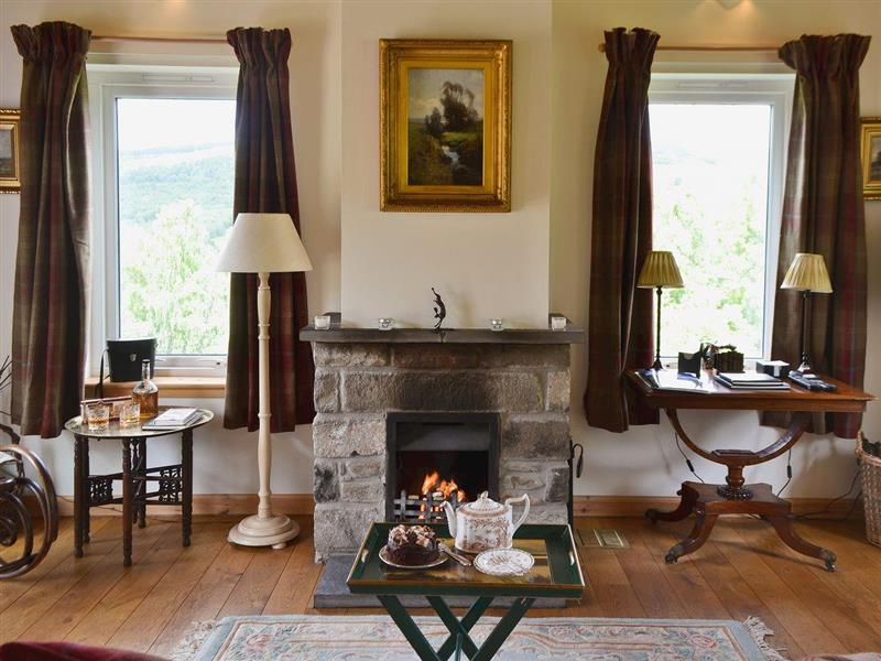 Lick Estate - Tummel Cottage in Foss, near Pitlochry - sleeps 2 people