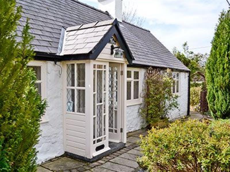 Lilac Cottage in Prestatyn - sleeps 4 people