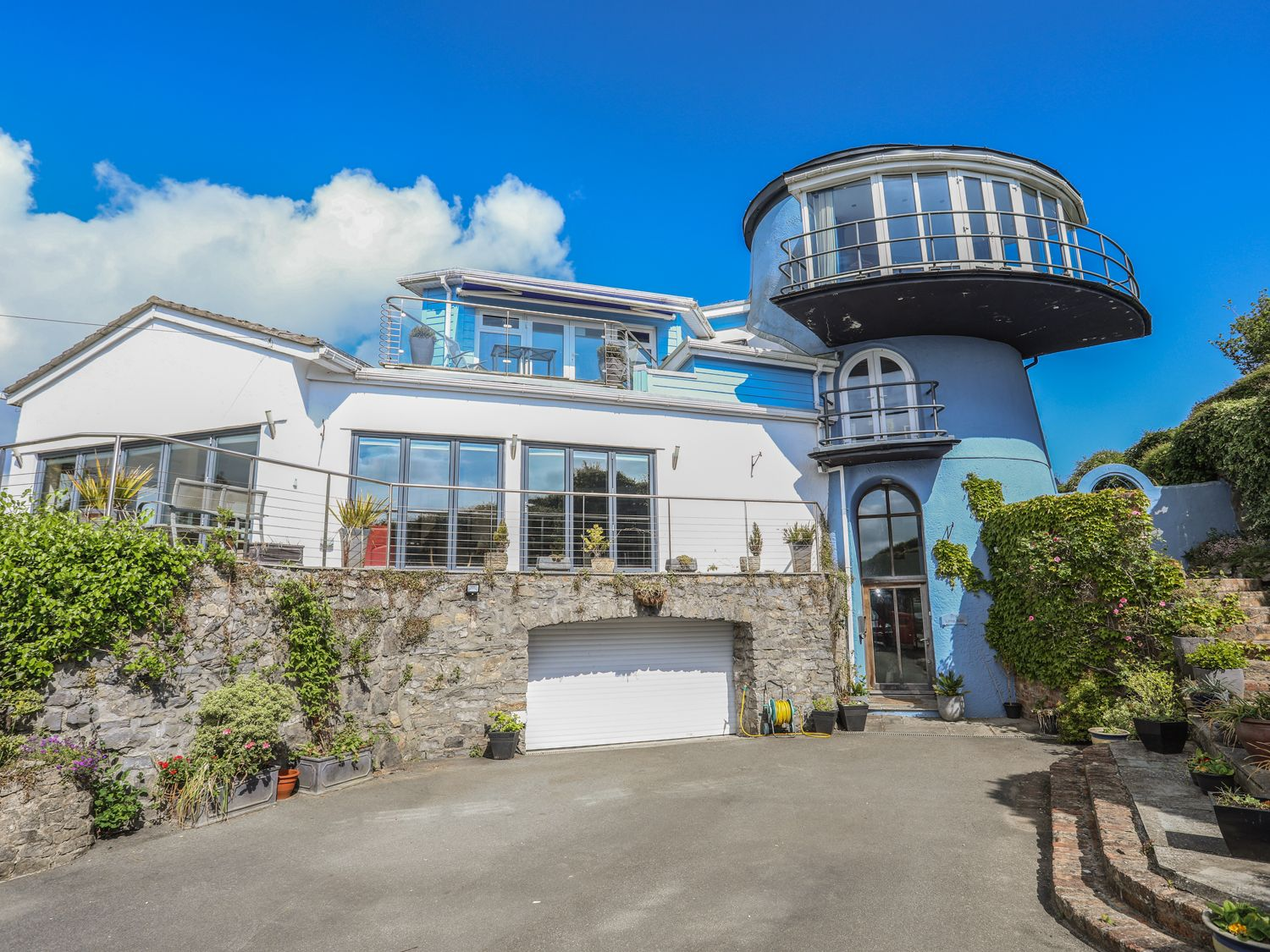 Lime Kiln in Red Wharf Bay - sleeps 8 people