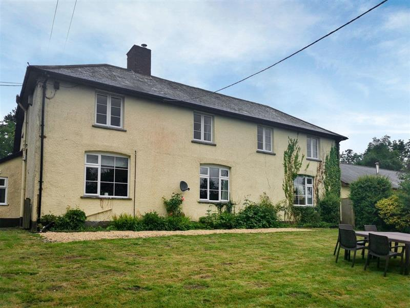 Liscombe Farm Cottages - The Old Farmhouse in Dulverton - sleeps 10 people