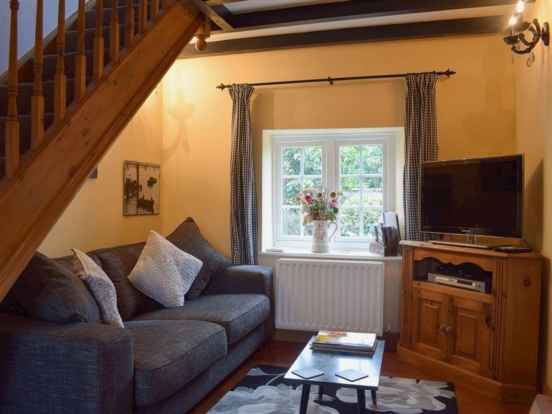 Little Grey Bird Cottage in Chale Green, near Ventnor - sleeps 4 people