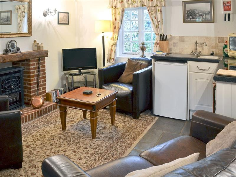 Little Impetts in West Stourmouth, nr. Canterbury - sleeps 5 people