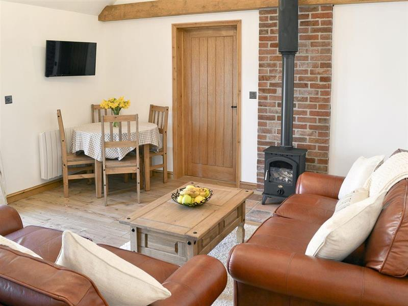 Little Tree Cottage in Skeyton, nr. Norwich - sleeps 4 people