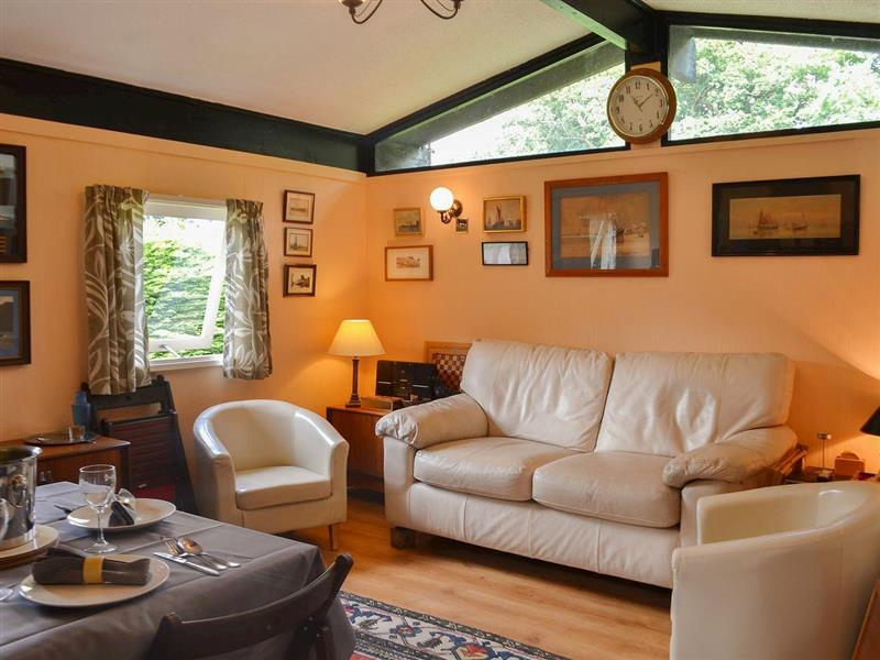 Llareggub in Cenarth, near Newcastle Emlyn, Carmarthenshire - sleeps 4 people