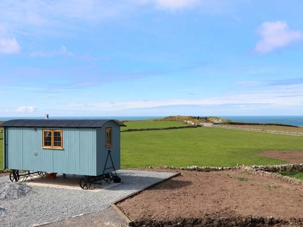 Llety'r Bugail in Holyhead - sleeps 2 people