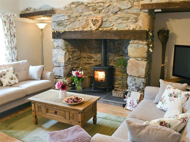 Llifon in Bethesda Bach, near Caernarfon - sleeps 5 people