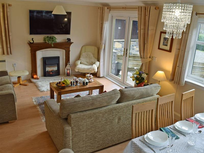 Loch View Cottage in Strathyre, near Callander - sleeps 6 people