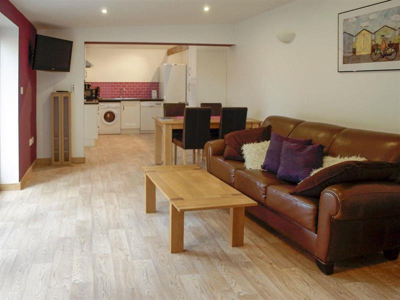 Lodge Farm Holiday Barns - Lakeview in Bawburgh, near Norwich - sleeps 4 people