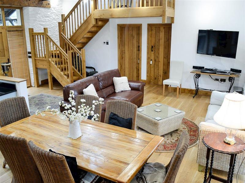 Long Ash Barn in Buckland Monachorum, near Tavistock - sleeps 10 people