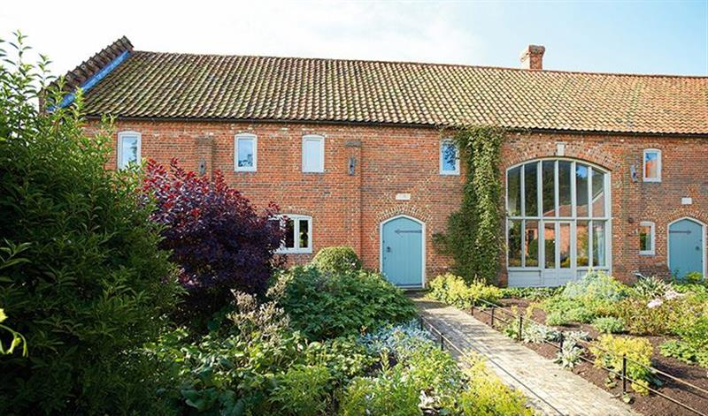 Long Barn in Felmingham nr Aylsham - sleeps 10 people