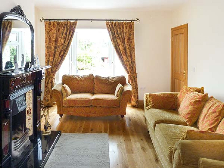 Lovers' Lodge in Kilkenny - sleeps 8 people
