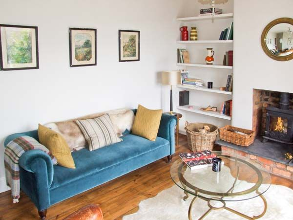 Lucky Cottage in Foxt - sleeps 4 people