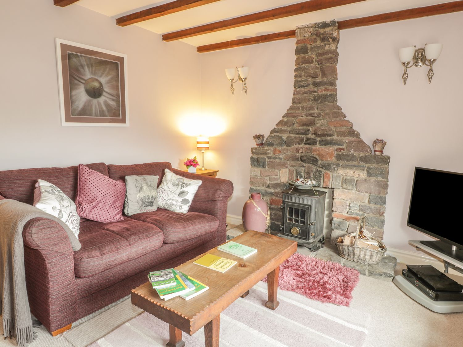 Lynton House in Ruardean Hill near Drybrook - sleeps 8 people
