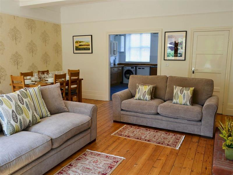 Magnolia Lodge in Sheringham, Norfolk - sleeps 4 people