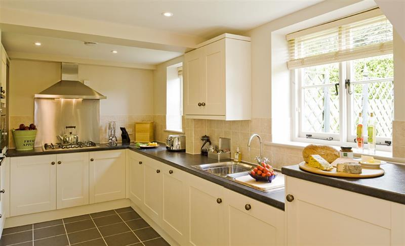 Malbanc Cottage in Whitchurch - sleeps 8 people