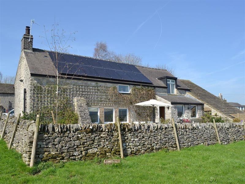 Manor Cottage in Wardlow, near Buxton, Derbyshire - sleeps 8 people