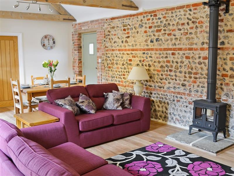 Manor Farm Barns - Foxs Den in Witton, nr. North Walsham - sleeps 4 people