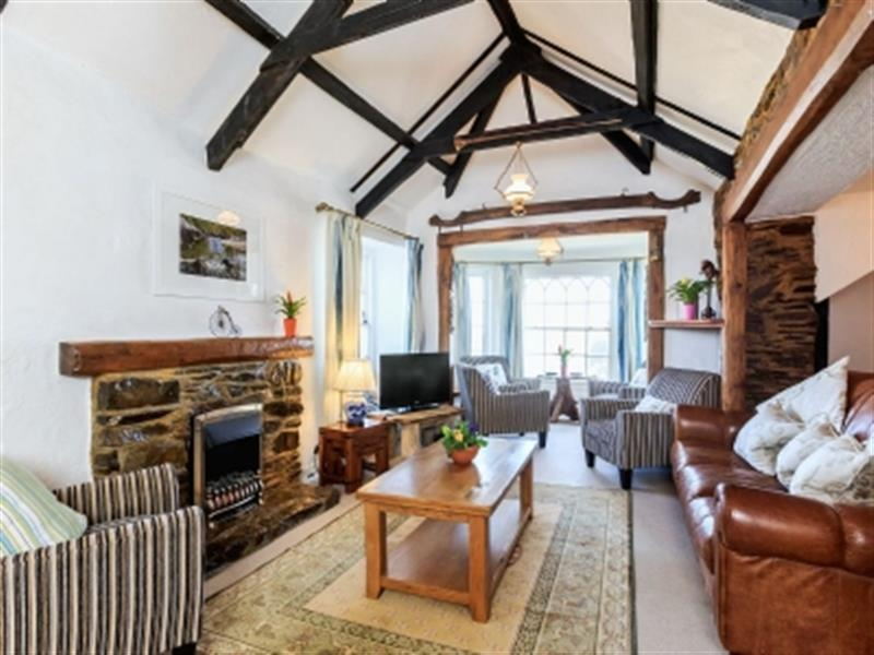 Manor House in West Pentire, Cornwall. - sleeps 13 people