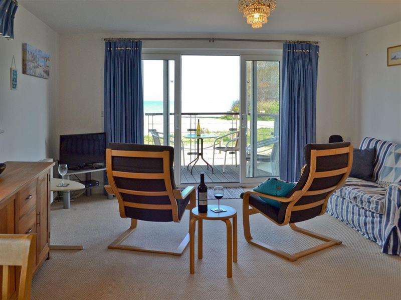 Martello Beach Apartment in Eastbourne, Sussex - sleeps 4 people